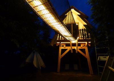 Cabane-merveilleuse-nuit