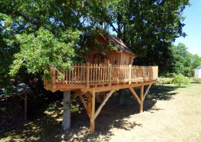 cabane-bois-ecureuil-normandieP1030779