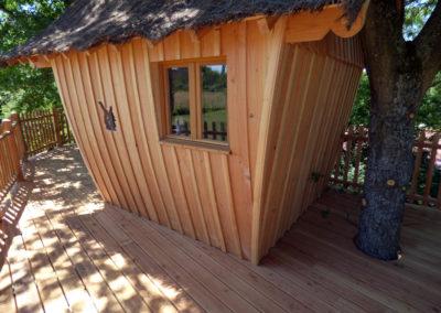 cabane-bois-ecureuil-normandieP1030809