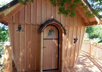 cabane-bois-ecureuil-normandieP1030817